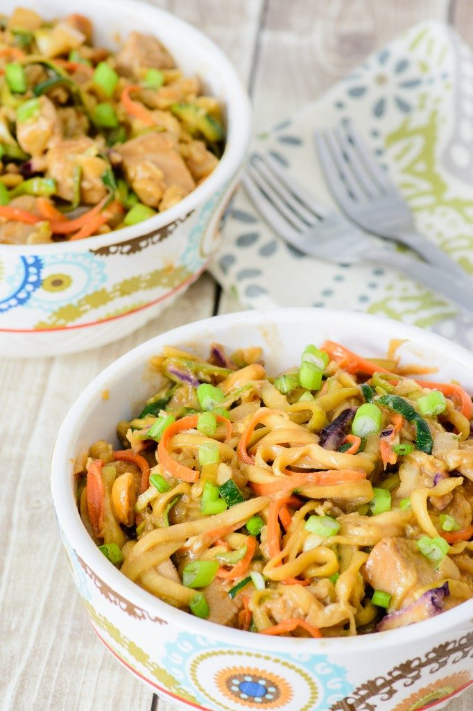 zoodle-peanut-chicken
